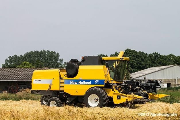 New Holland TC 5070 (2)