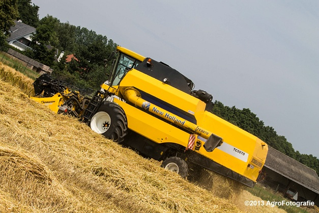 New Holland TC 5070 (23)