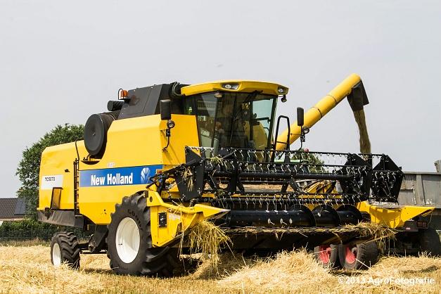New Holland TC 5070 (27)