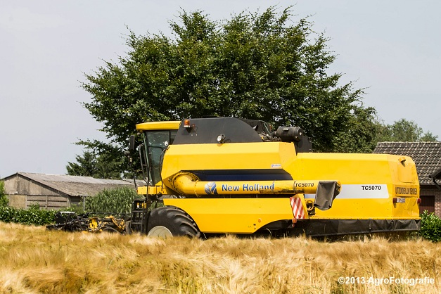New Holland TC 5070 (28)