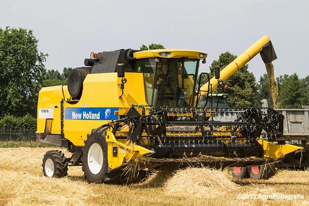 New Holland TC 5070 (3)