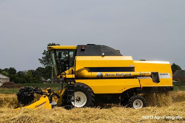 New Holland TC 5070 (7)