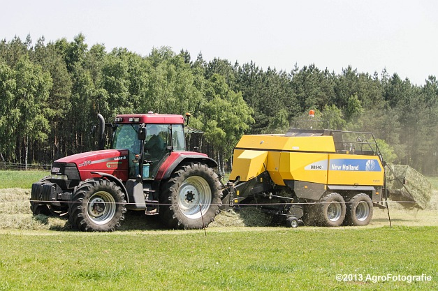 Case IH MX 170 + New Holland BB940A-12
