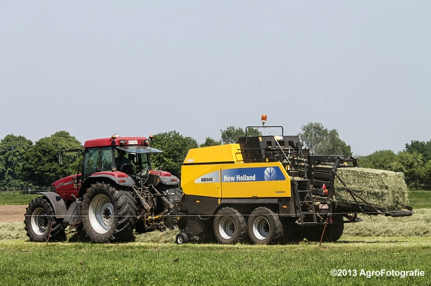 Case IH MX 170 + New Holland BB940A-15