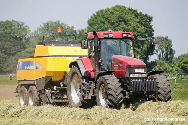 Case IH MX 170 + New Holland BB940A-16