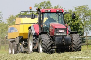 Case IH MX 170 + New Holland BB940A-2