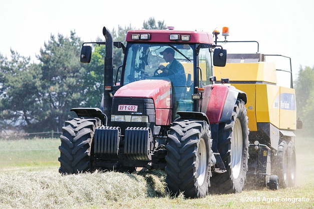 Case IH MX 170 + New Holland BB940A-22