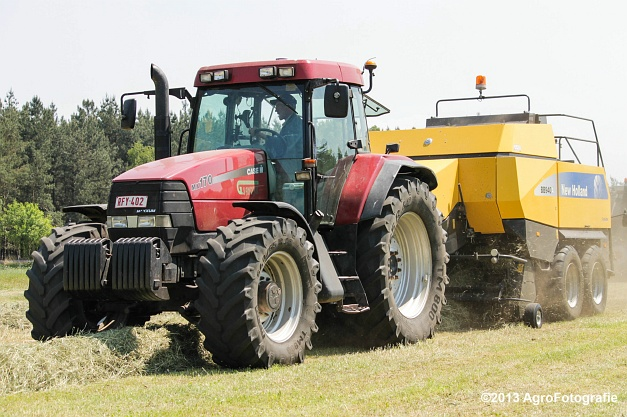 Case IH MX 170 + New Holland BB940A-24