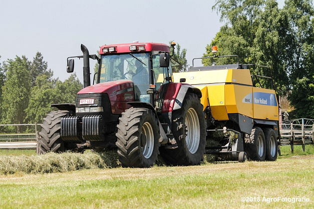 Case IH MX 170 + New Holland BB940A-28