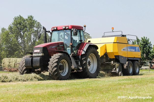 Case IH MX 170 + New Holland BB940A-29