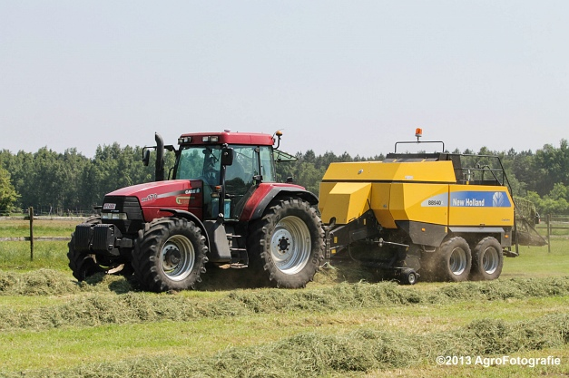 Case IH MX 170 + New Holland BB940A-3