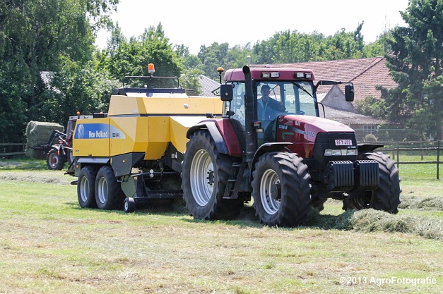Case IH MX 170 + New Holland BB940A-8