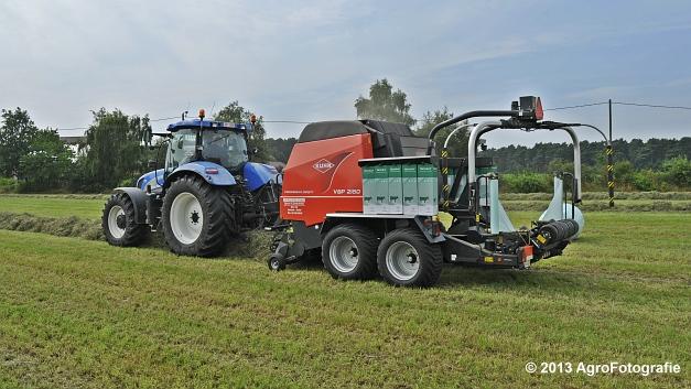 New Holland T6080 + Kuhn VBP 2160 (1)