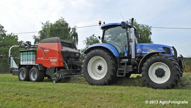 New Holland T6080 + Kuhn VBP 2160 (12)
