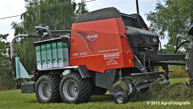 New Holland T6080 + Kuhn VBP 2160 (13)