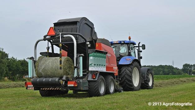 New Holland T6080 + Kuhn VBP 2160 (15)