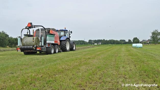 New Holland T6080 + Kuhn VBP 2160 (17)