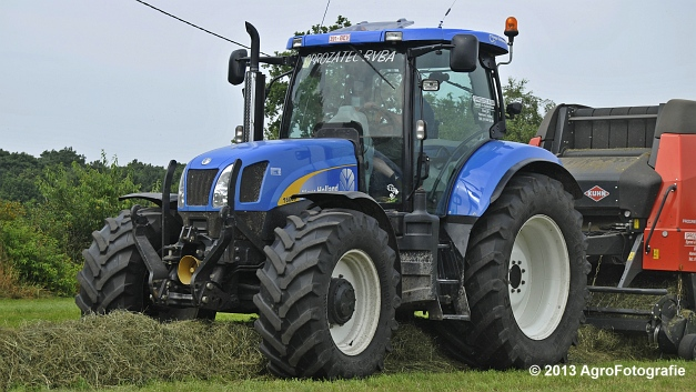 New Holland T6080 + Kuhn VBP 2160 (22)