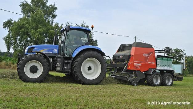 New Holland T6080 + Kuhn VBP 2160 (23)