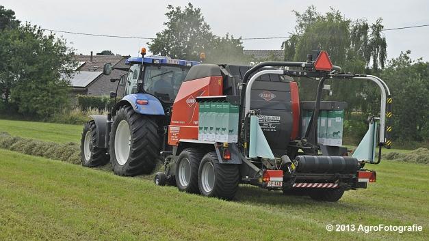 New Holland T6080 + Kuhn VBP 2160 (3)