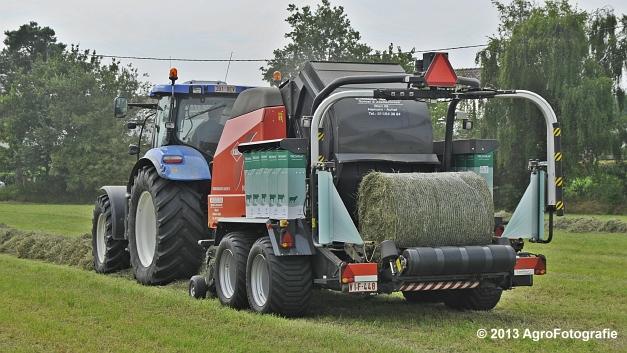 New Holland T6080 + Kuhn VBP 2160 (5)