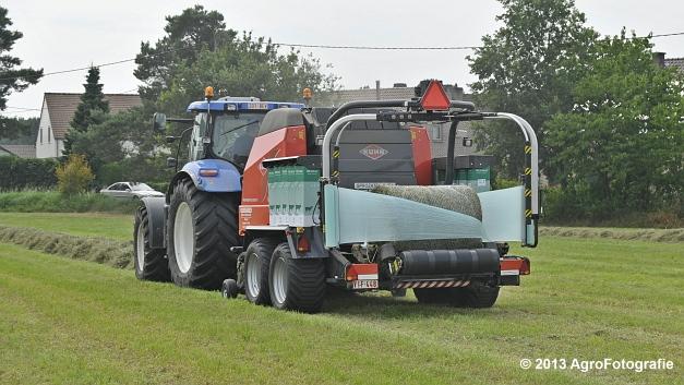 New Holland T6080 + Kuhn VBP 2160 (6)