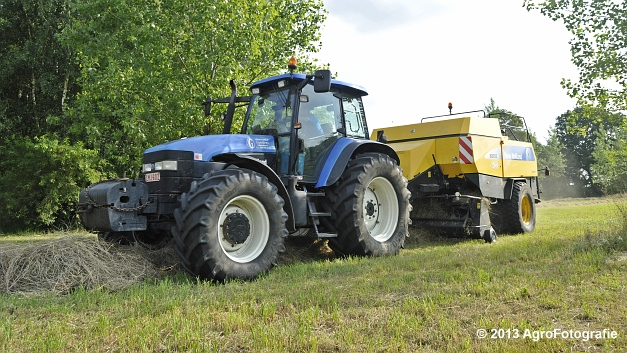 New Holland TM 155 + New Holland BB950A (12)