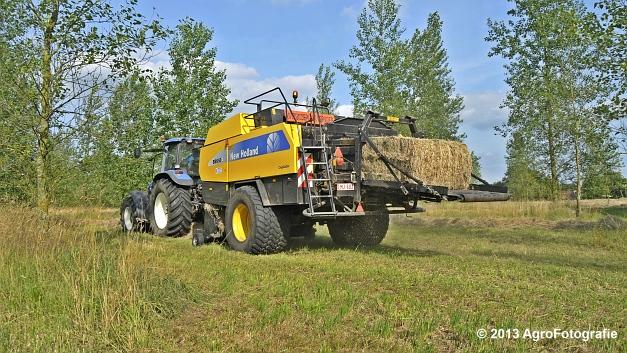 New Holland TM 155 + New Holland BB950A (13)