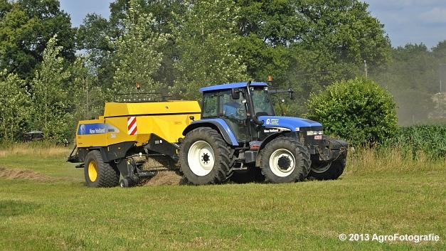 New Holland TM 155 + New Holland BB950A (15)