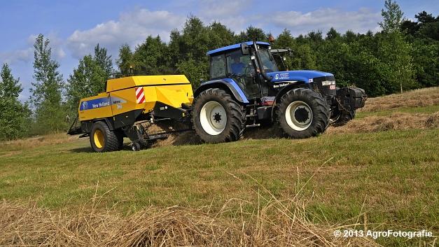New Holland TM 155 + New Holland BB950A (2)