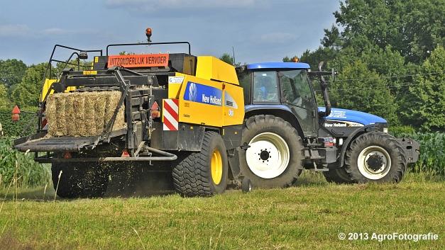 New Holland TM 155 + New Holland BB950A (21)
