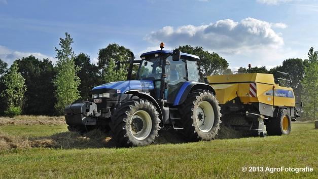 New Holland TM 155 + New Holland BB950A (5)