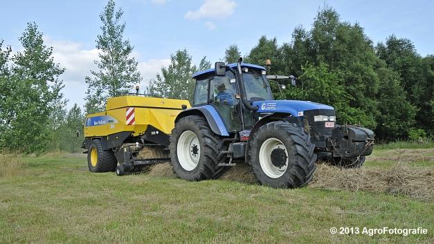 New Holland TM 155 + New Holland BB950A (9)