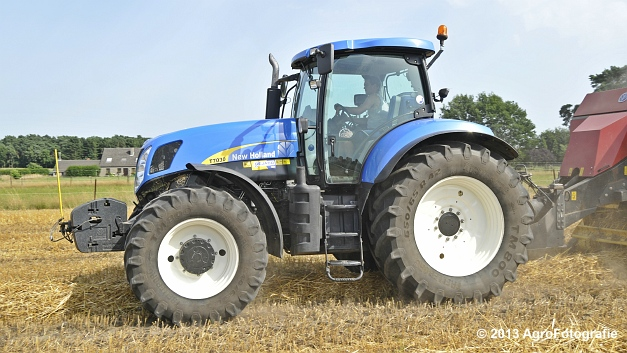 New Holland T7030 + New Holland BB940 (13)