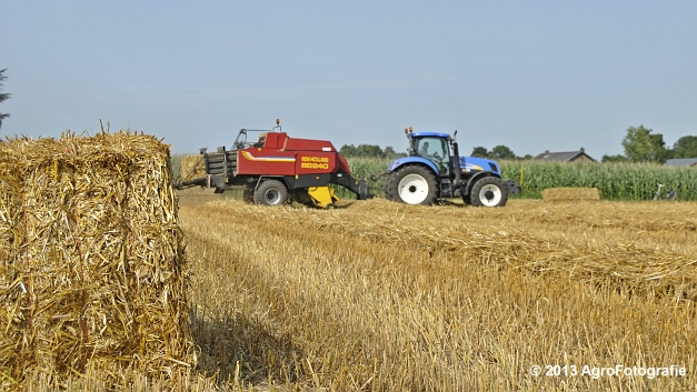 New Holland T7030 + New Holland BB940 (14)