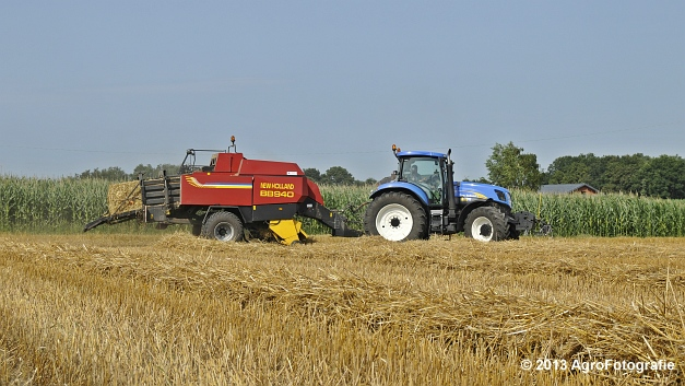 New Holland T7030 + New Holland BB940 (15)