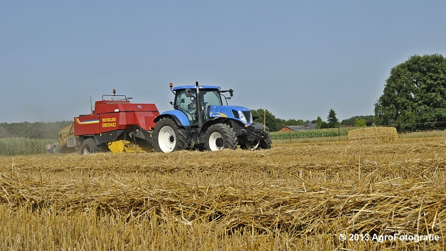 New Holland T7030 + New Holland BB940 (17)