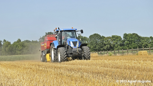 New Holland T7030 + New Holland BB940 (2)