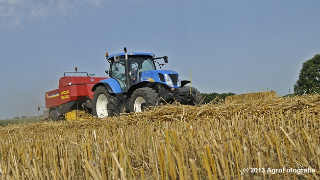 New Holland T7030 + New Holland BB940 (22)