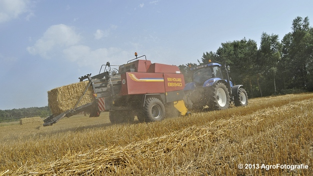 New Holland T7030 + New Holland BB940 (23)