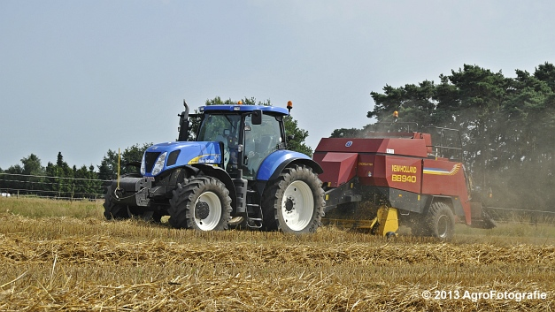 New Holland T7030 + New Holland BB940 (5)