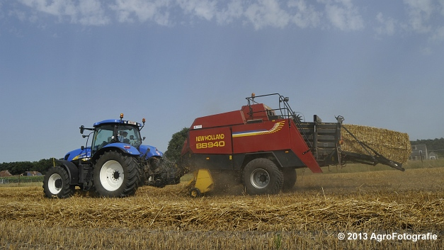 New Holland T7030 + New Holland BB940 (8)
