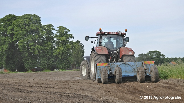 New Holland T7030 (13)