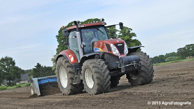 New Holland T7030 (14)