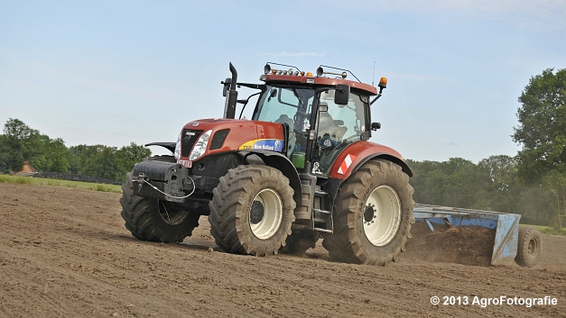 New Holland T7030 (22)