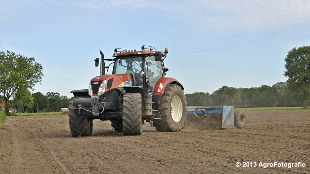 New Holland T7030 (23)