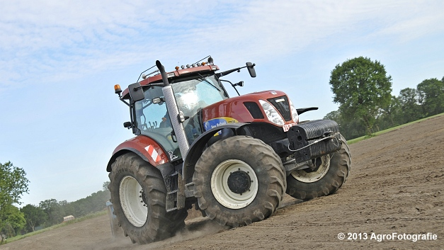 New Holland T7030 (24)