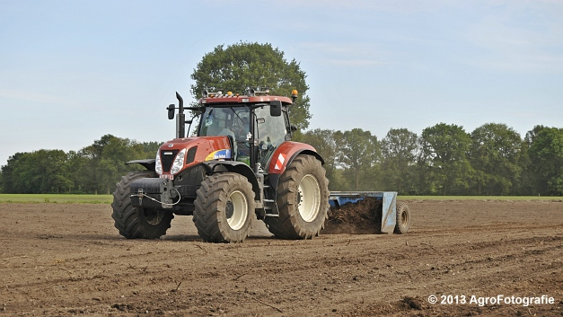 New Holland T7030 (8)