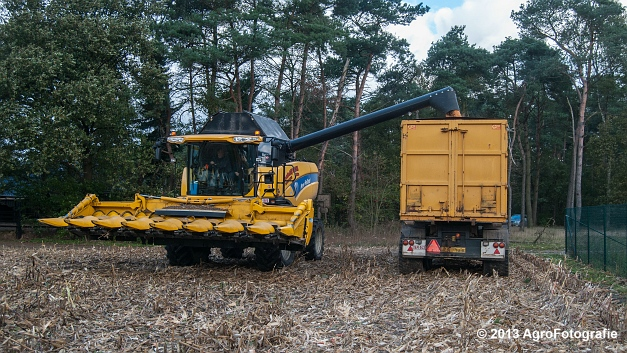 New Holland CX 8050 (19 van 20)