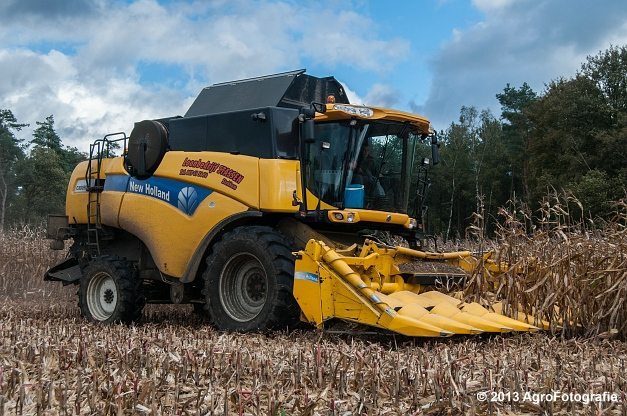 New Holland CX 8050 (2 van 20)